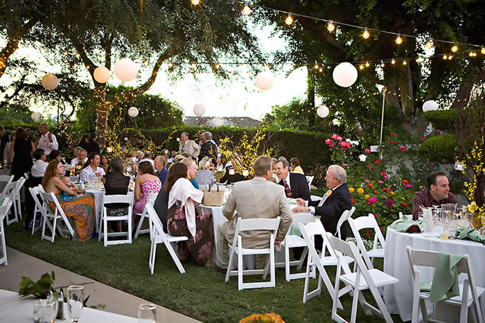 Luncheons caterers receptions oh my provo wedding guide for Backyard engagement party decoration ideas